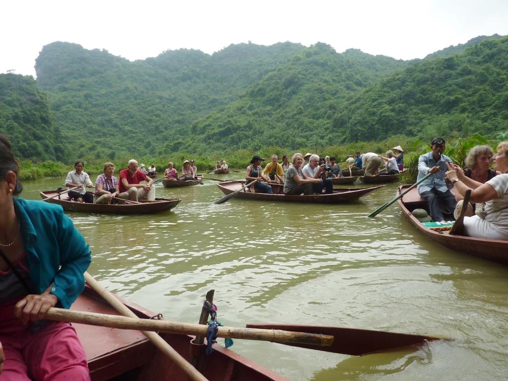 05-15-1708 la baie d'Halong terrestre sur le site de Thung Nang red