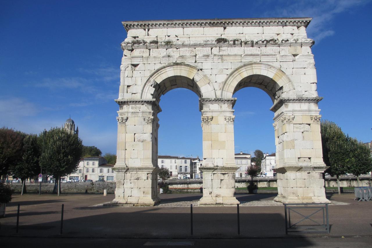 15-Arc de triophe Saintes