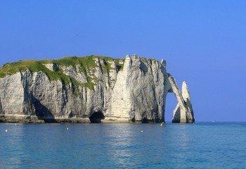 Etretat cliffs 1391884